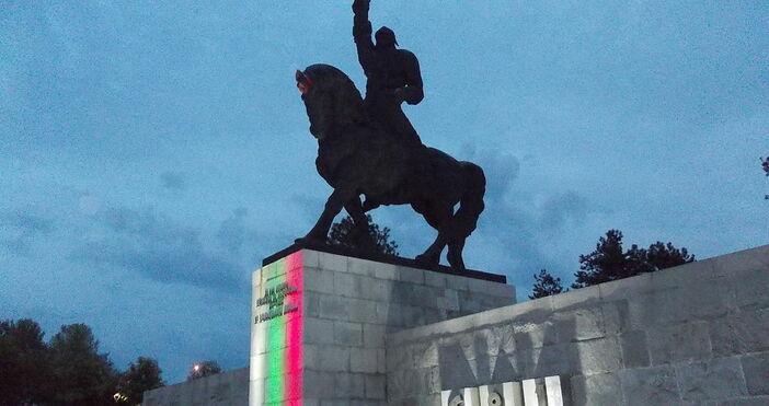 снимка:Dimitar Milkov, Уикипедия Добрич днес отбелязва своя празник, който почита