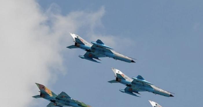 Снимка Пиксабей, архивНапрежение във въздуха между самолети на двесветовни сили.Три