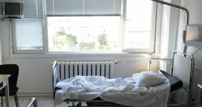 снимка: Булфото496 са новодиагностицираните с COVID-19 лица у нас за