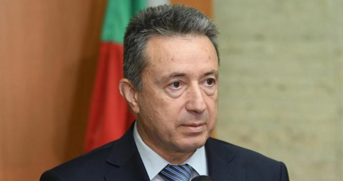 Служебният министър на правосъдиетоЯнаки Стоиловдопусна, че подписаните отКирил Петковактове могат